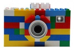 Bonjour et bienvenue sur notre blog !  lego-digital-camera2-300x202